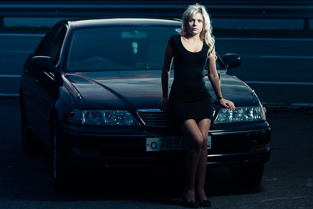 Анна, фотосессия с авто